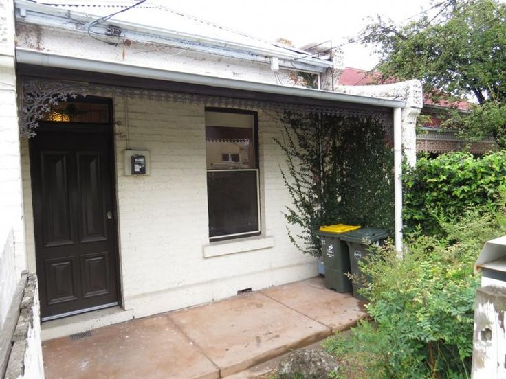 22 Park Parade  FITZROY NORTH $455 @ domain.com.au  the price is definitely right but it looks like a home reno....
