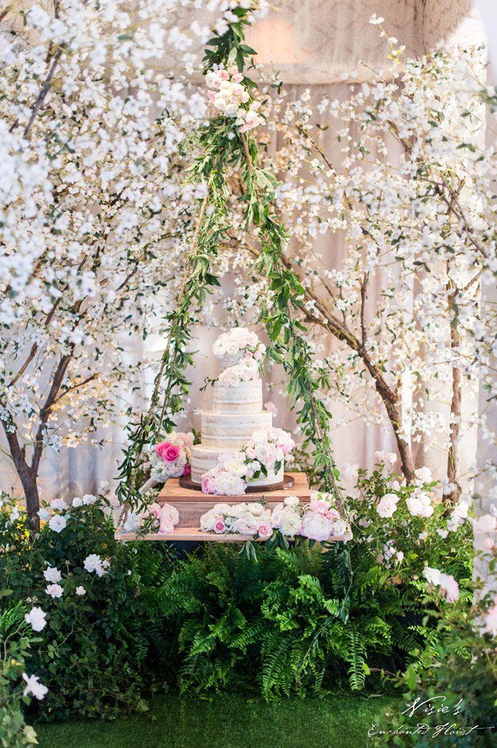 Dicas incríveis para decorar a mesa do bolo de casamento perfeita! - Salve a Noiva