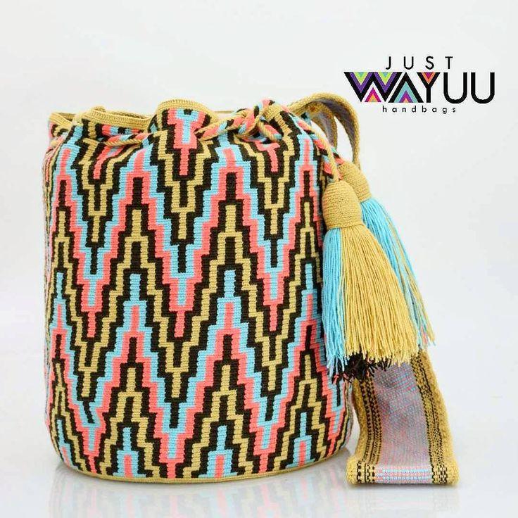 131 отметок «Нравится», 2 комментариев — Just Wayuu (@just.wayuu) в Instagram: «Single thread Mochila with zigzag pattern. Handcrafted handbags made by indigenous wayuu in the…»