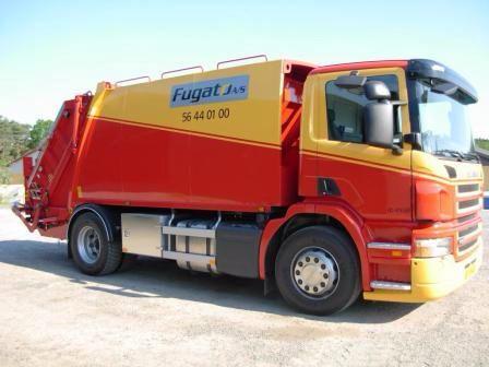 NTM KG jednokomorowa zabudowa śmieciarki zamontowana na podwoziu dwuosiowym SCANIA. Refuse truck, rear loader, garbage vehicles, Kommunalfahrzeuge, Benne a ordures, Recolectores, piccoli camion, Carico posteriore