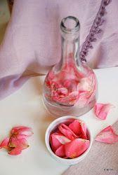 Rózsalikőr