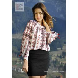 one of the most popular Romanian blouses.. #RomanianBlouse #RomanianBlouses #BlousesRoumaines #BlouseRoumaine #RomanianPeasantBlouse #RomanianPeasantBlouses #ieRomaneasca