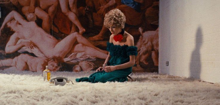 With The Neon Demon and Absolutely Fabulous coming to a big screen near you, it's the perfect time to look back at cinema's great fashion movies.