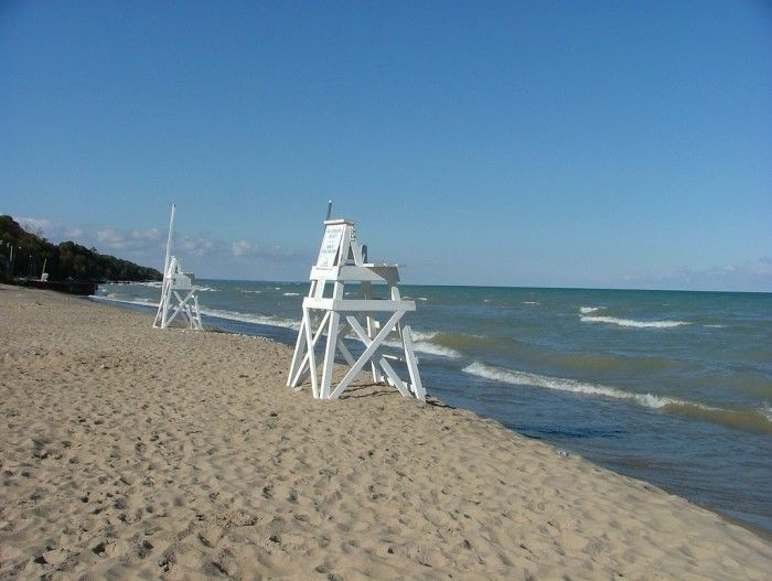 10 great Illinois beaches