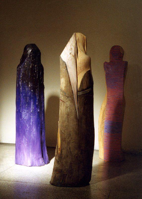 jerzy fober, trzy marie, 1998 - rzeźby powstały przy współpracy z trzema artystami malarzami- ireneuszem bęcem, adamem molendą i tomaszem lubaszką