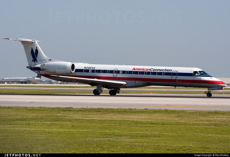 Photo of N295SK - Embraer ERJ-140LR - American Connection (Chautauqua Airlines)