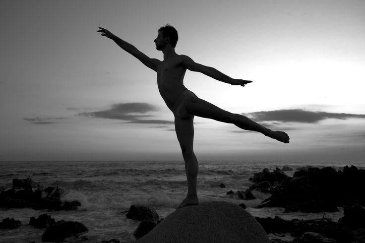 Dancing by BarDaAngelo  on 500px