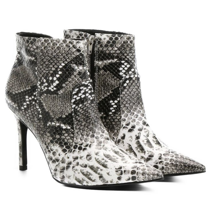 Bota Shoestock Curta Bico Fino Salto Fino Cobra Cobra | Zattini