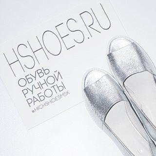 Металлическая кожа набирает все большую популярность в ежедневном использовании! Очень стильные серебряные тапочки выполнены из мягчайшей перчаточной кожи,вам не придется их разнашивать,они комфортнее кашемира!))) Подробнее на http://hshoes.ru/ В наличии 38-39,цена 7990руб. #hshoes #highshoes #highshoesmsk #shoes #lambadamarket #дизайнерскаяобувь #тапки #серебро #серебрянаяобувь #лоферы #ботинки #слипоны #обувьназаказ #обувь #натуральнаякожа #кожанаяобувь #хипстер #блог #девочкитакиед...