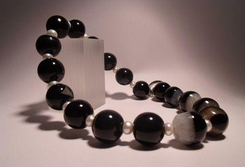 collar de perlas y onix