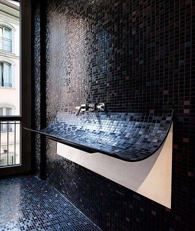 Piastrelle mosaico nere e blu