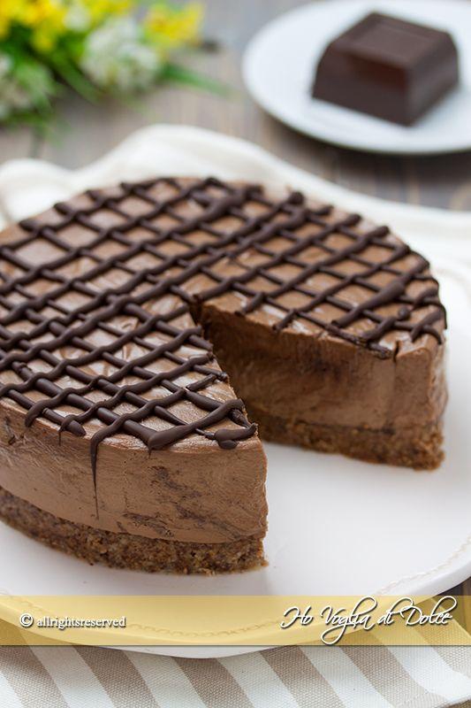 Cheesecake al cioccolato senza cottura, una ricetta senza forno, facile e veloce da preparare. Una versione fresca e golosa, perfetta come dolce estivo.