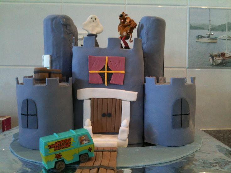 Scooby castle cake