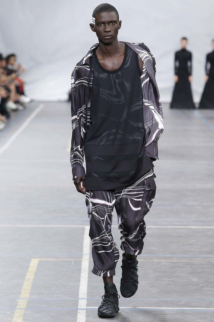 Y-3 Spring 2016 Menswear Collection Photos - Vogue