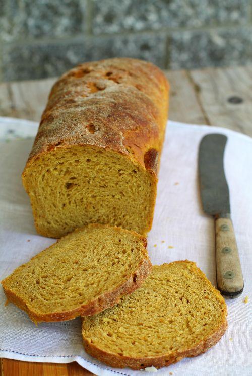 Pane con farina di castagne e zucca
