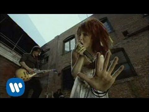 ▶ Paramore - Emergency