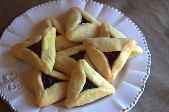 Perfect Hamentashen Guide - How to shape them and keep them closed!