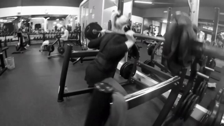 Domingo de piernas  #squats #deadlift #crossfit #squats #core #gym #bodybuilding #gymlife #fitness #fit #workout #exercise #motivation #training #health #healthy #fitnessmodel #cardio #determination #lifestyle #model #strong #abs #aesthetics #bodybuilder #legs #shredded #instafitness #powerlifting #fitnessgirl