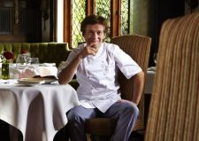 Michelin starred chefs Michael Wignall and Steve Drake help fight child poverty with The Mince Pie Project...