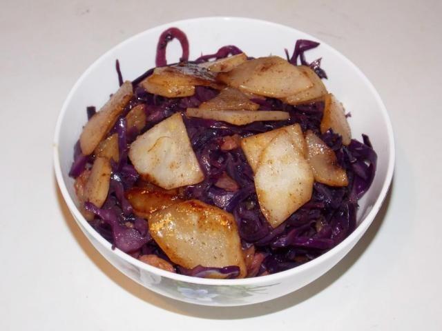 Салат из груши под коньяком, с капустой  - рецепт на Российский Wok-Shop