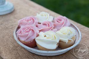 Mini-cupcakes-rozet-Sweet-Table-Deurne-botercremecupcake