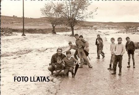 Hoy 14 de Octubre, hace 57 años de aquella noche lluviosa de Domingo, en la cual ocurrió la primera riada que cambió Valencia….la segunda y ...