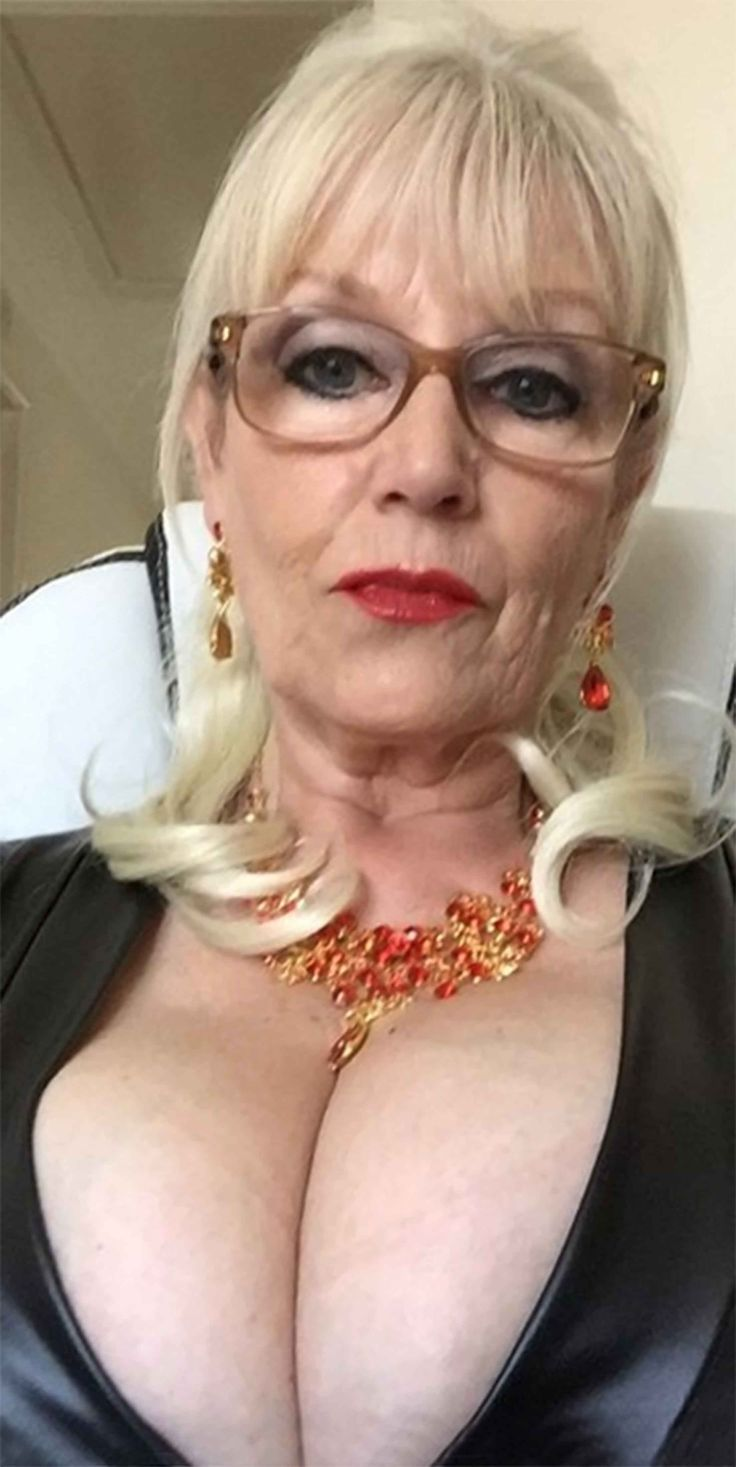 Big And Sweet  Old In 2019  Sexy Older Women, Mature -3150