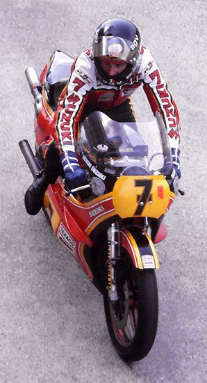 Barry Sheene on his Suzuki RG500, late 1970's.