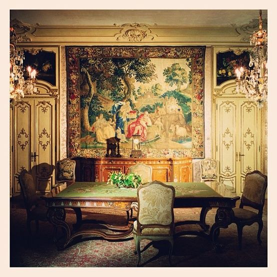 Decorate With Tapestries And Bring Old World Charm To Your Interiors