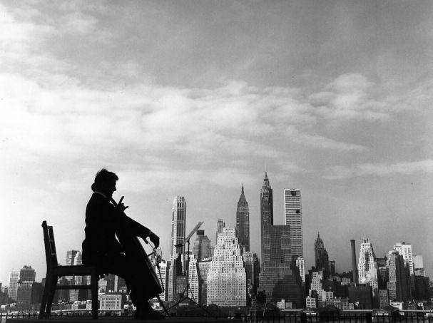 Robert Doisneau ( La Musique) - Maurice Baquet - Aubade pour Manhattan 1960