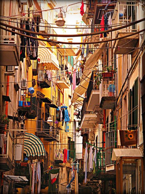 napoli, italy. it really does look like this. such vibrant colors!