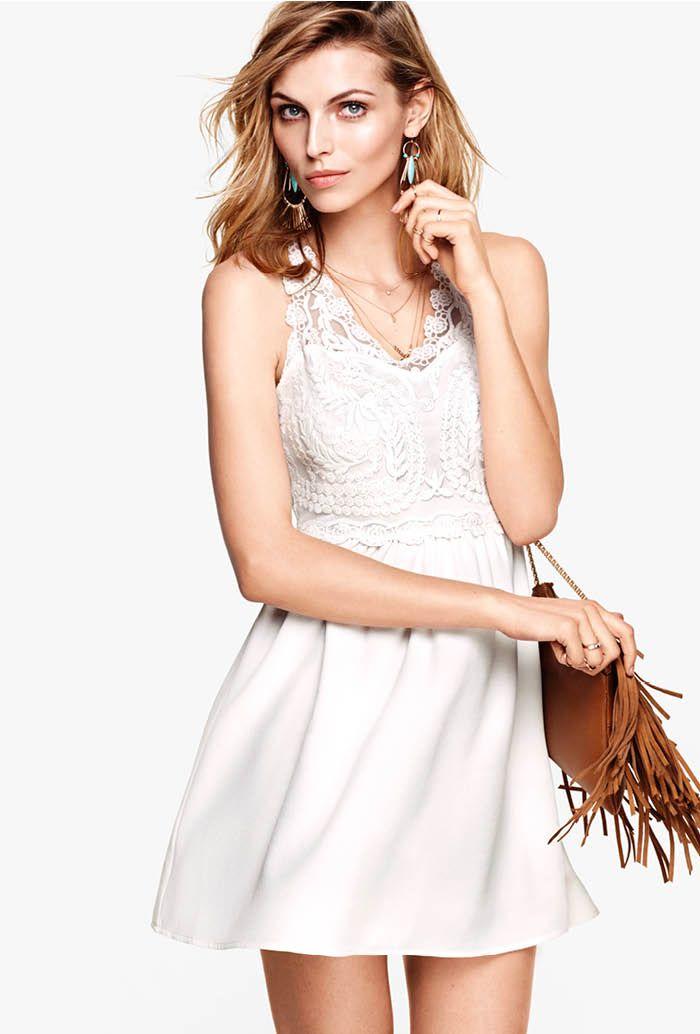 Många sommarfester, massor av ljuvliga klänningar