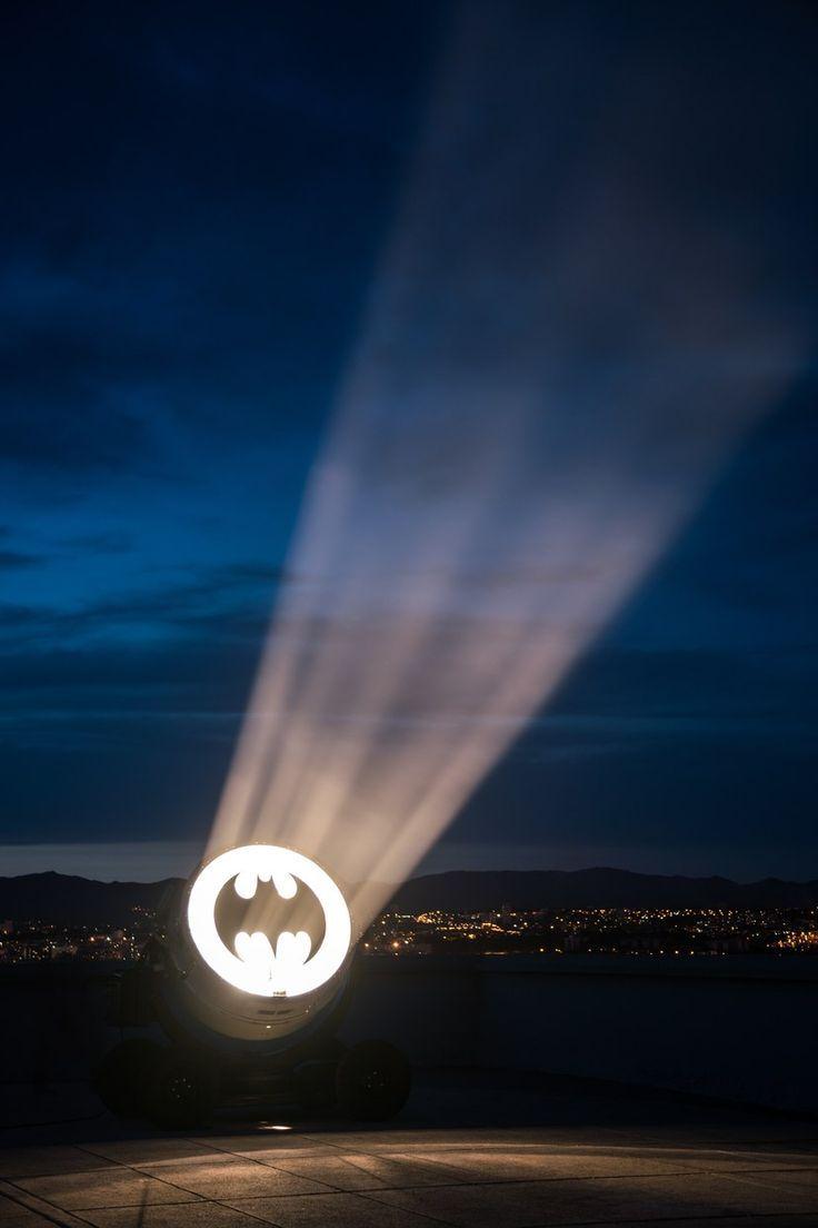 Gotham City Bat Signal Gotham Signal Gotham City Fledermaus Signal Signal De Batte Gotham City Senal D Batman Canvas Art Batman Wallpaper Batman Canvas