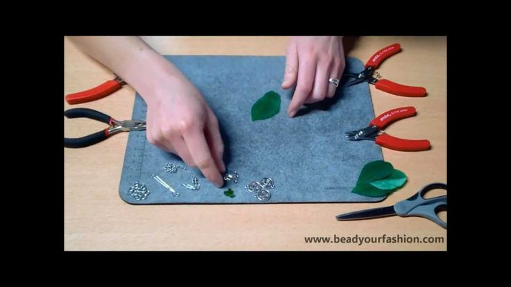 Sieraden maken - DIY Project 11: Oorbellen met veertjes maken
