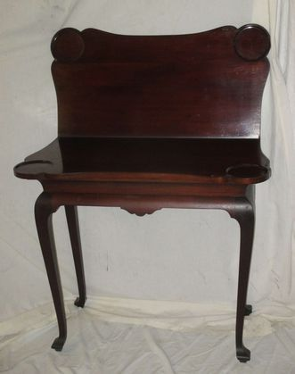 Item Up For Bidding At Auction - Estates Auction in Townshend, VT Game table
