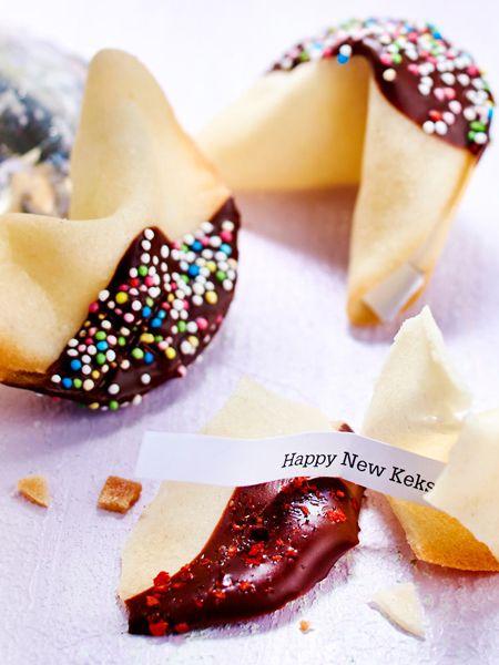 #Glückskekse gehören zu jeder guten #Silvester-Party dazu. Welche Überraschungen wird das neue Jahr für dich bereithalten?