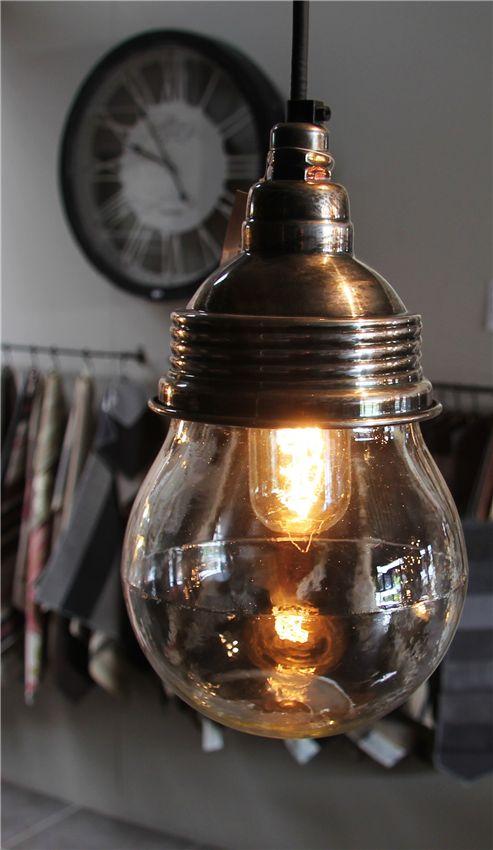Hanglamp Vidro Antiek Zilver Max 40 Watt E 27. Dit Model Is In Onze Winkel Te Zien. Deze Lampen Zijn In Principe Bij Onze Toeleverancier Op Voorraad. Verzenden Van Deze Lamp Is Gratis.  Hanglamp Vidro Antiek Zilver Antiek Zilver