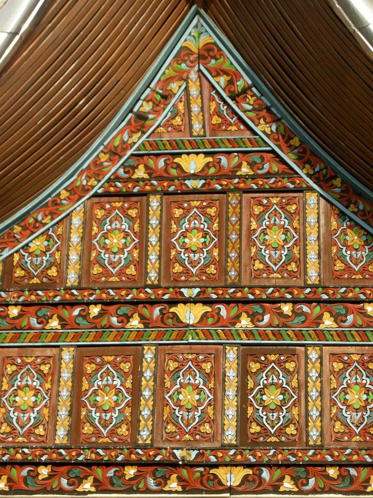 detail of a traditional house - Bukittinggi, Sumatra, Indonesia - by selmadisini 2008