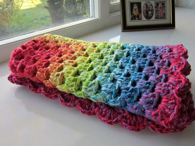 pretty: Colour, Simple Life, Graduation Granny, Color, Granny Blankets, So Pretty, Granny Squares, Free Patterns, Crochet Knits