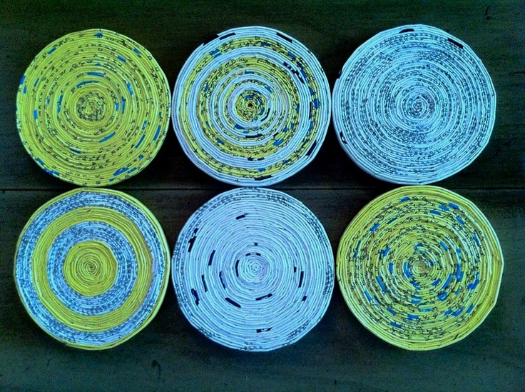 Phone book page coasters: Phonebook Coasters, Books Art, Recycled Upcycled Reuse, Phones Books, Reuse Phones, Upcycled Phones, Neat Ideas, Books Coasters, Phonebook Paper