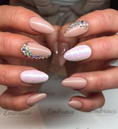AnnChristin S Silbodal created this beautiful set using CND Shellac Bare Chemise & #Lecente Holographic White with crystals #nails #nailart #glitter