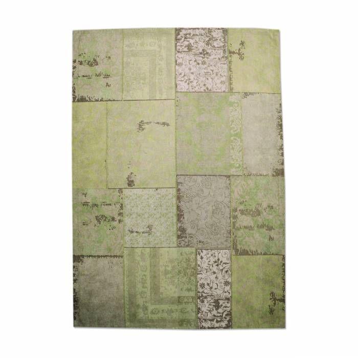 Tapijt Carpet Patchwork Groen 170x240 OP=OP  Description: Het Tapijt Carpet van By-Boo is een prachtig decoratief item dat je interieur helemaal compleet maakt! Het heeft een afmeting van 170 bij 240 cm en een heel uniek dessin. Dit tapijt is een echte blikvanger en zal je meubels nog beter tot hun recht laten komen. Leg het in de woonkamer onder je salontafel neer of in de slaapkamer aan het voeteneinde van je bed. Met dit unieke tapijt van By-Boo geef je je interieur gegarandeerd een…