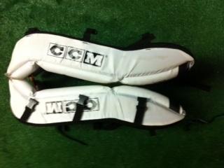 CCM Hockey pads. Cheap!!!