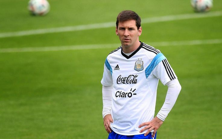 The Legend Lionel Messi: How does Messi change the crisis into the way of a...