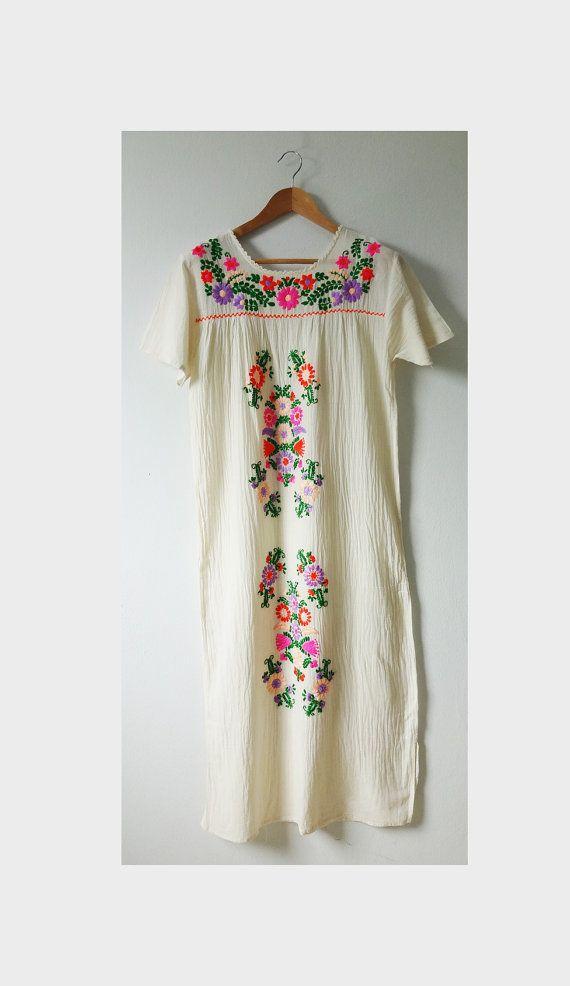 Hand geborduurde jurk Floral geborduurde jurk, Oaxaca jurk, boer jurken
