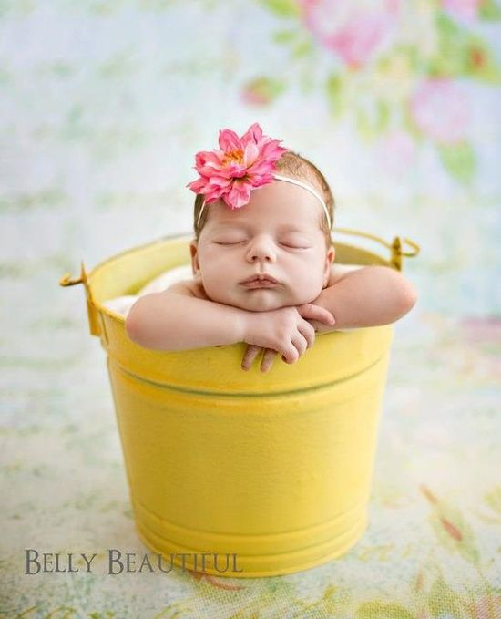 Spring newborn picture | http://awesome-lovely-new-born-photos.13faqs.com