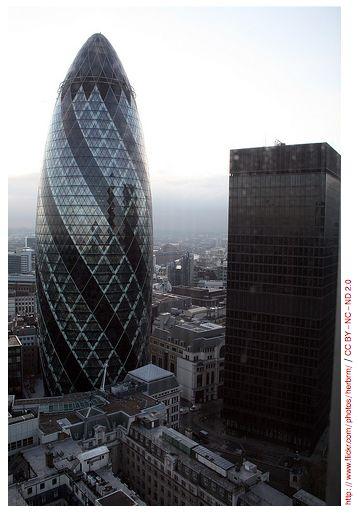 Norman Foster's Swiss Re, London, England - SHERLOCK WENT HERE!!!! <3
