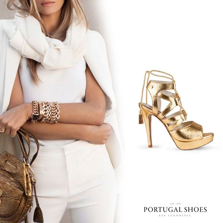 Gold Vibes  My Maria Guimarães Sandals: http://bit.ly/1YVCoZZ