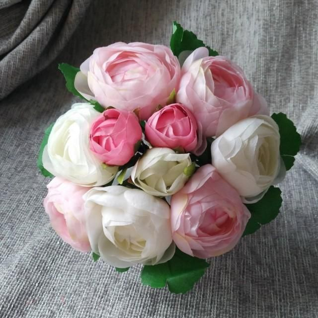 Cream Pink Silk Peony Bouquet Artificial Camellia Flower Bouquet For Bridesmaids BouquetsItems Specification:There are 10 flowers heads in a bundle, 7 bigger heads and 3 smaller heads, the diameter of the bigger heads is 7cm and the smaller ones are 3cmBouquet diameter appro. : 15cmLength: 26cmGenerally it takes 7-15 days to US, 10-20 days to Canada, United Kingdom, Austria, France, Germany. And other countries may take longer time from 30-50 days, Please let us know if you need expedited...