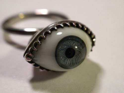 eyeball ring: Eyeb Jewelry, Styles, Goth Clothing, Girls Fashion, Dark Fashion, Accessories, Beauty Rings, Eyeb Rings, Eyes Rings